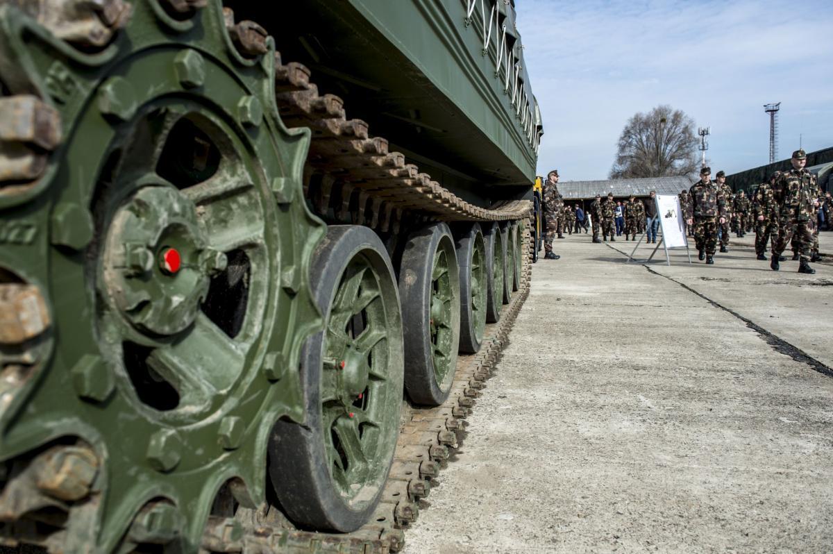 8afcd3459a OPH - Világszínvonalú eszközökhöz keres katonákat a Honvédség